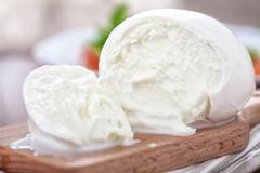 Sữa trâu tạo nên 'bà hoàng của các loại pho mát' ở Italia như thế nào?