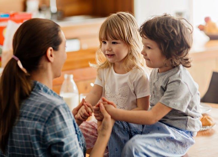 Vì sao con cái thừa hưởng trí thông minh từ mẹ nhiều hơn bố?