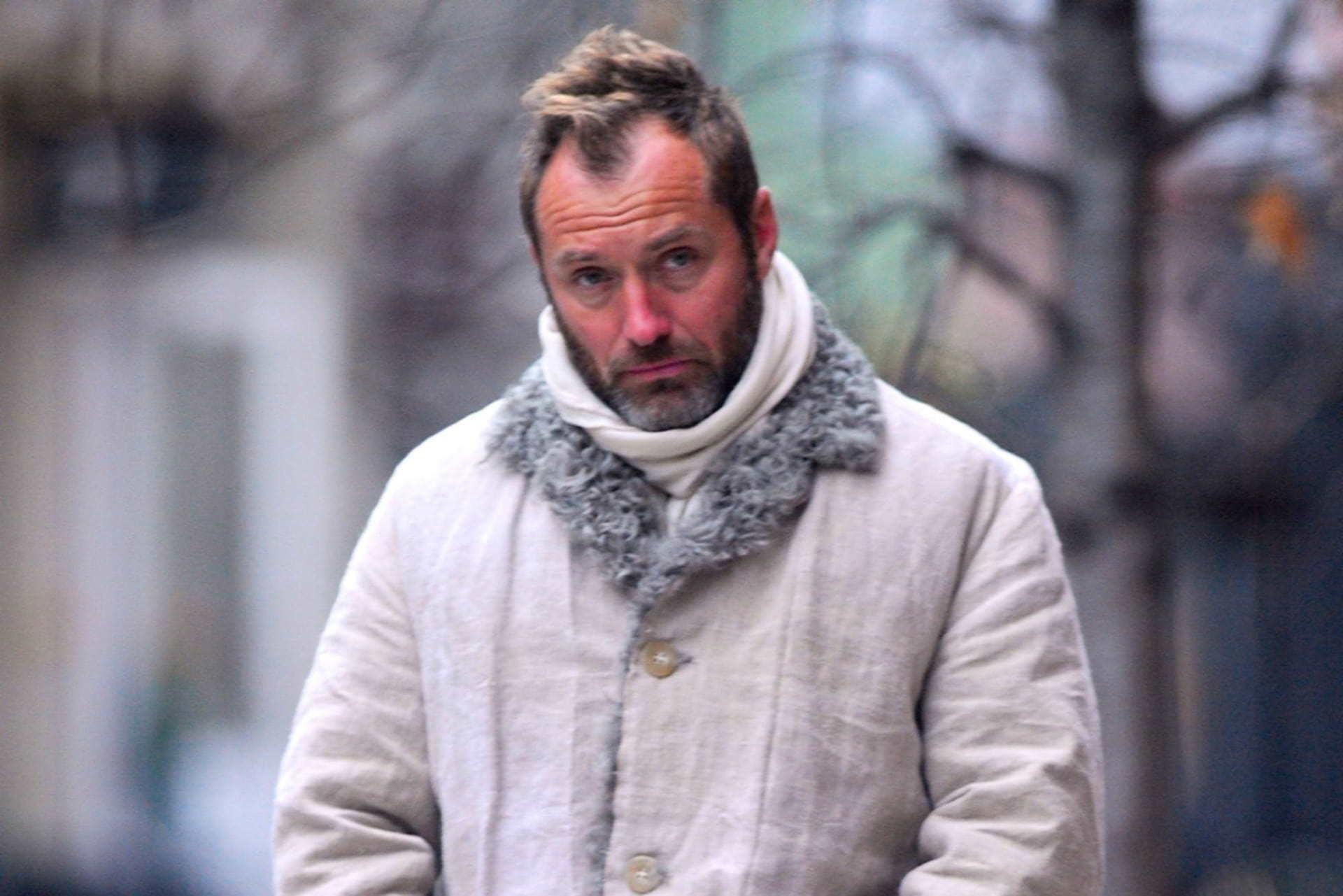 Người đàn ông quyến rũ nhất thế giới già nua ở tuổi 49