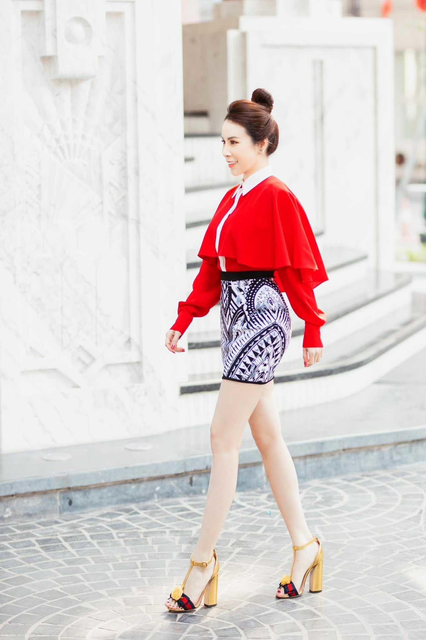 Hoa hậu Hoàng Dung gợi ý cách mặc đẹp đi chơi Tết