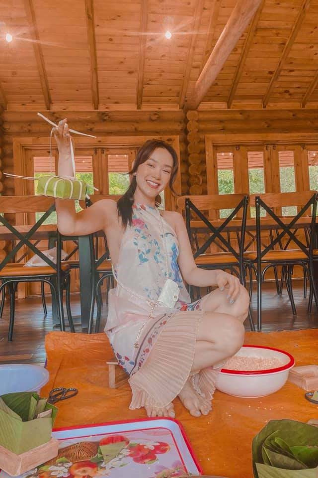 Hoàng Thuỳ Linh, Noo Phước Thịnh gói bánh chưng, dọn nhà đón Tết