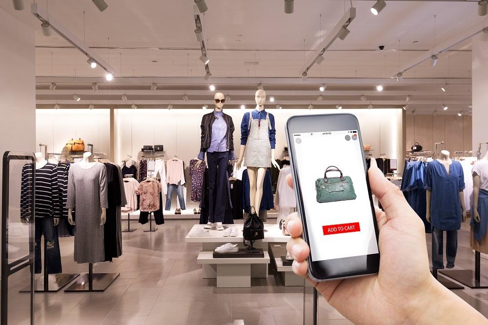 Chục triệu người tung tiền mua sắm, đại gia Việt tranh phần 12 tỷ USD