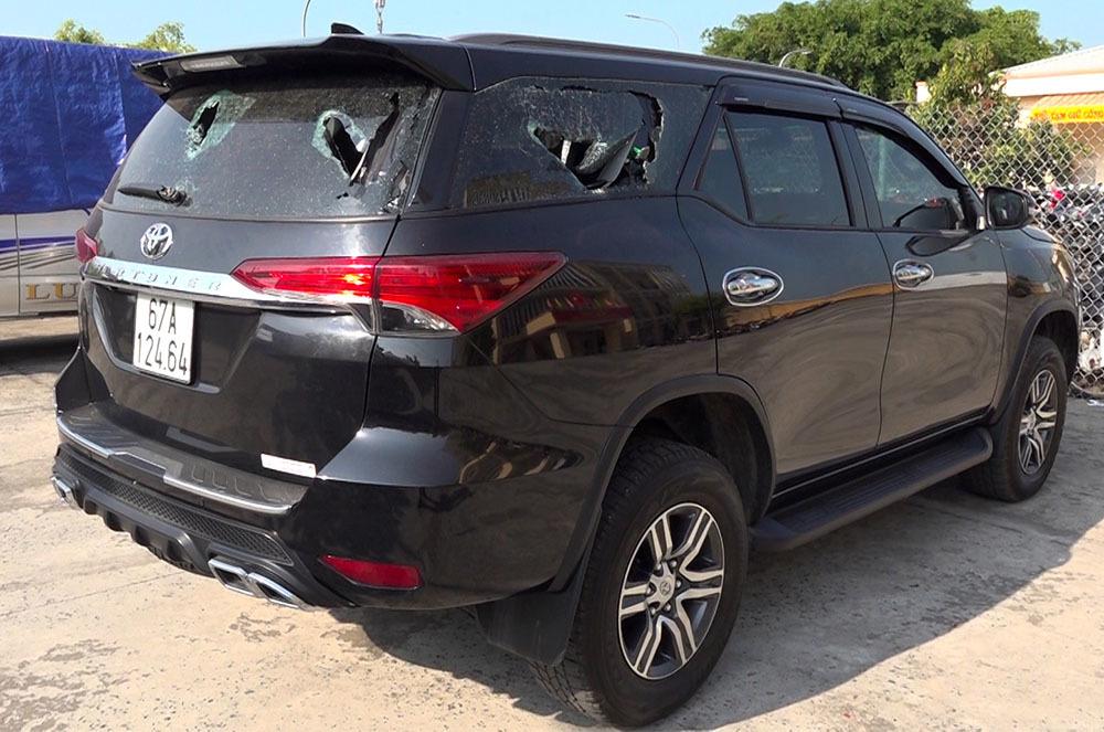 Bắt nhóm người vây đánh tài xế, đập phá ô tô ở An Giang