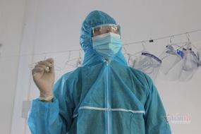 Bác sĩ kể kỳ tích cứu em bé ngừng tim, ngừng thở trong khu cách ly