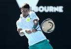 """Australian Open ngày 3: Djokovic đi tiếp sau 2 loạt """"đấu súng"""""""
