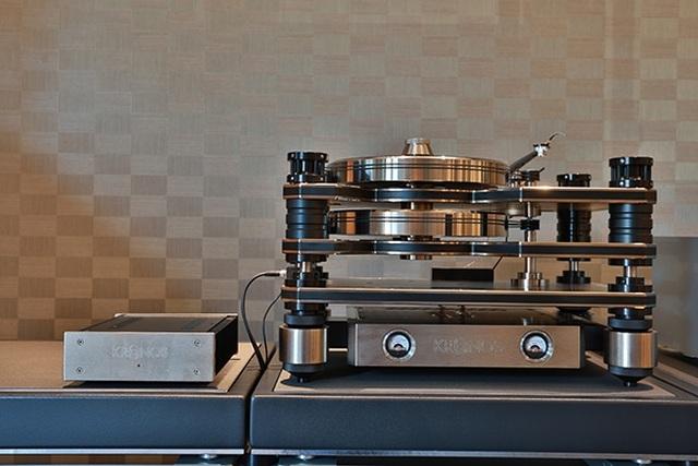 Chi hẳn 2 tỷ đồng sắm máy hát đĩa than chỉ vì hoài niệm cũ