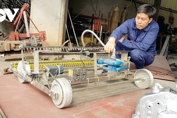 Nhà sáng chế 'chân đất' đưa trí tuệ Việt ra thế giới