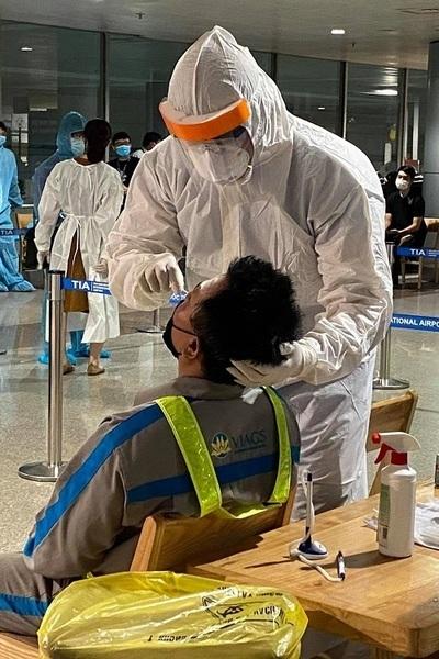 926 hộ gia đình của nhân viên sân bay đã được lấy mẫu xét nghiệm nCoV