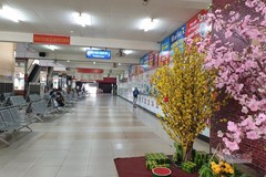 Sân bay, bến xe ở TP.HCM đìu hiu ngày 30 Tết