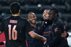 Man City bay cao: Pep Guardiola thách thức Mourinho