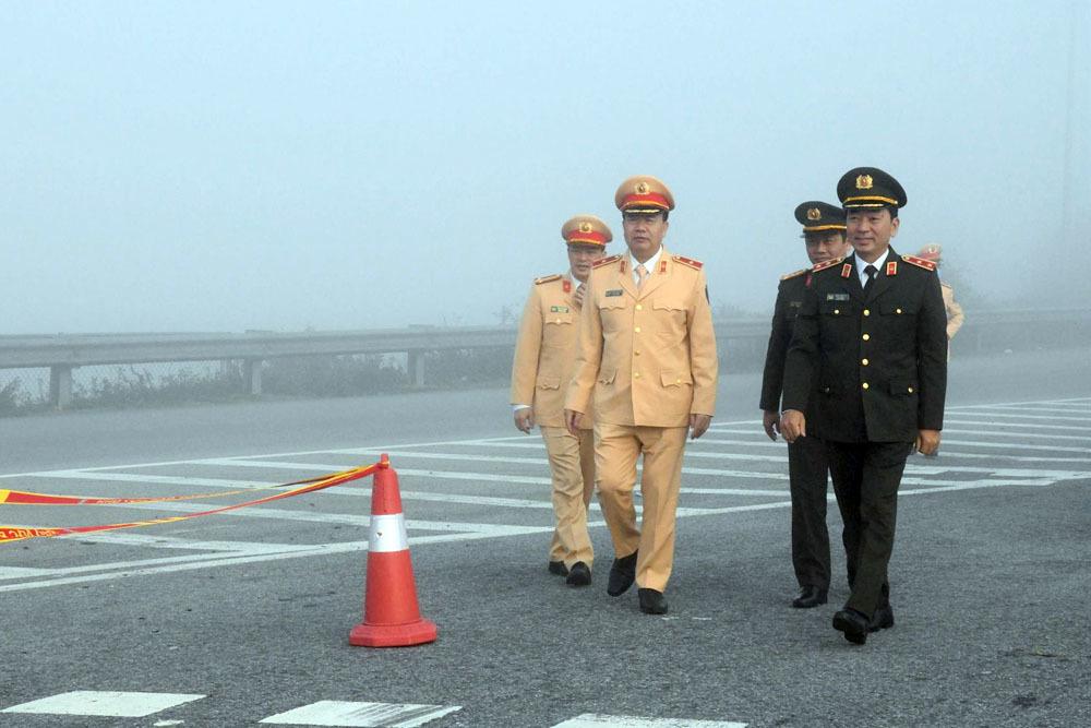 Thứ trưởng Trần Quốc Tỏ xuống đường ngày 30 Tết kiểm tra ATGT