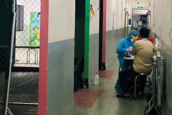 179 nhân viên y tế Bệnh viện Mắt TP.HCM âm tính nCoV