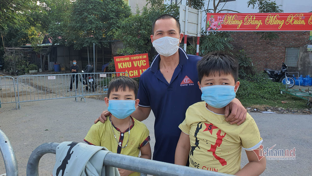 Tết tại điểm dịch Bạch Trữ, Hà Nội