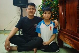 Cuộc hội ngộ của nam sinh 10 năm cõng bạn đến trường ở Thanh Hóa