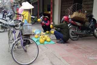 Mang nước mía ra bán ở công viên giữa dịch, người phụ nữ ở Hải Dương bị phạt 15 triệu