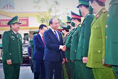 Thủ tướng chúc Tết các đơn vị lực lượng vũ trang TP Đà Nẵng