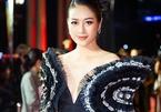 MC Phí Linh: Giao thừa, thương bố mẹ đón Tết xa con