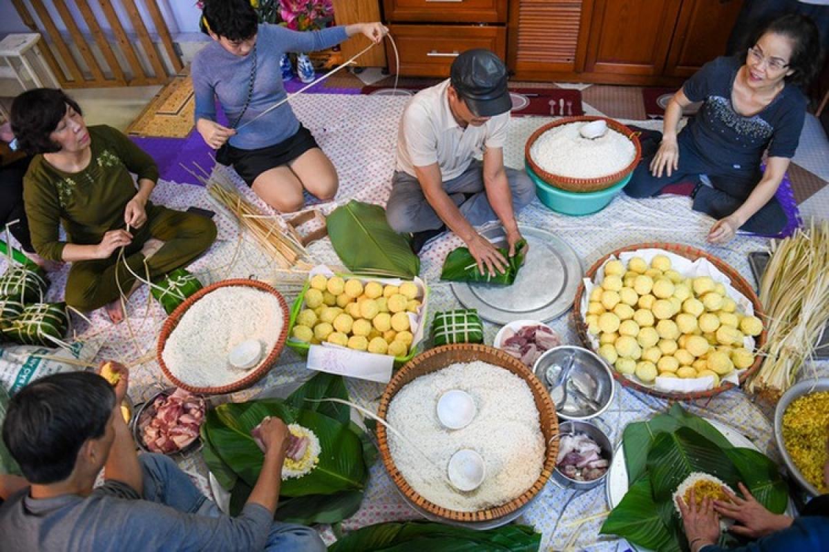 Traditional Tet customs,Lunar New Year,Tet
