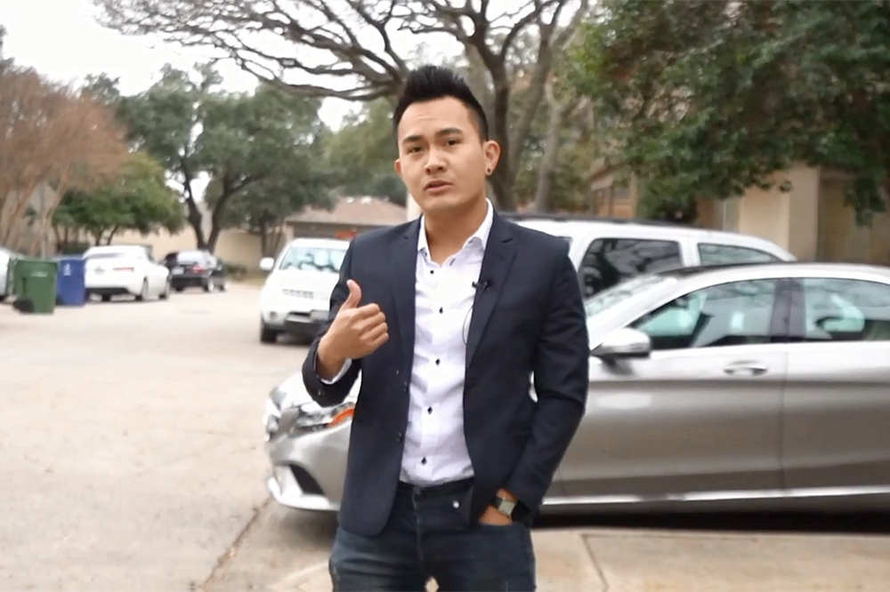 Hoài Linh với câu chuyện đáng yêu đầu xuân 2021 ở nhà thờ Tổ trăm tỷ