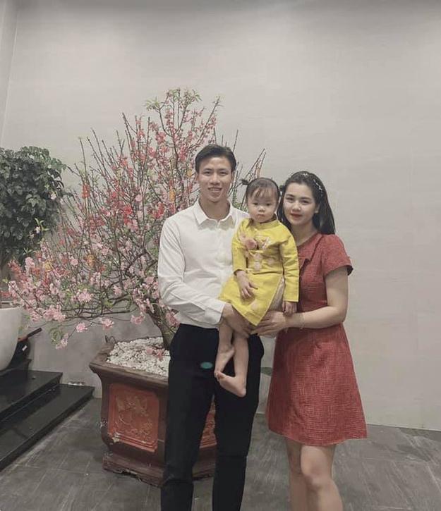 Quang Hải, Lee Nguyễn chúc Tết, tưng bừng du xuân
