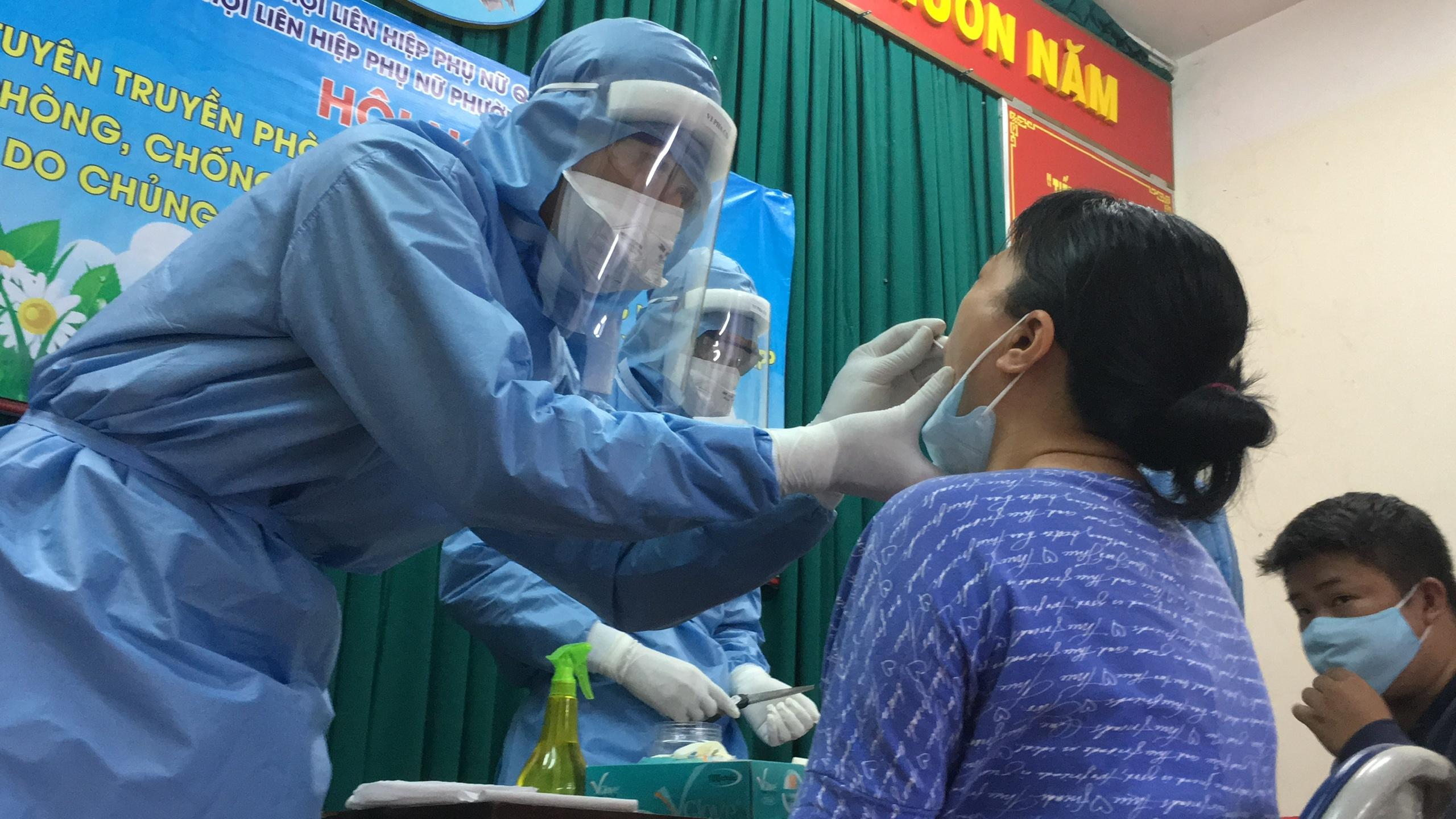 Hai mẹ con nghi nhiễm nCoV liên quan đến nhân viên sân bay Tân Sơn Nhất