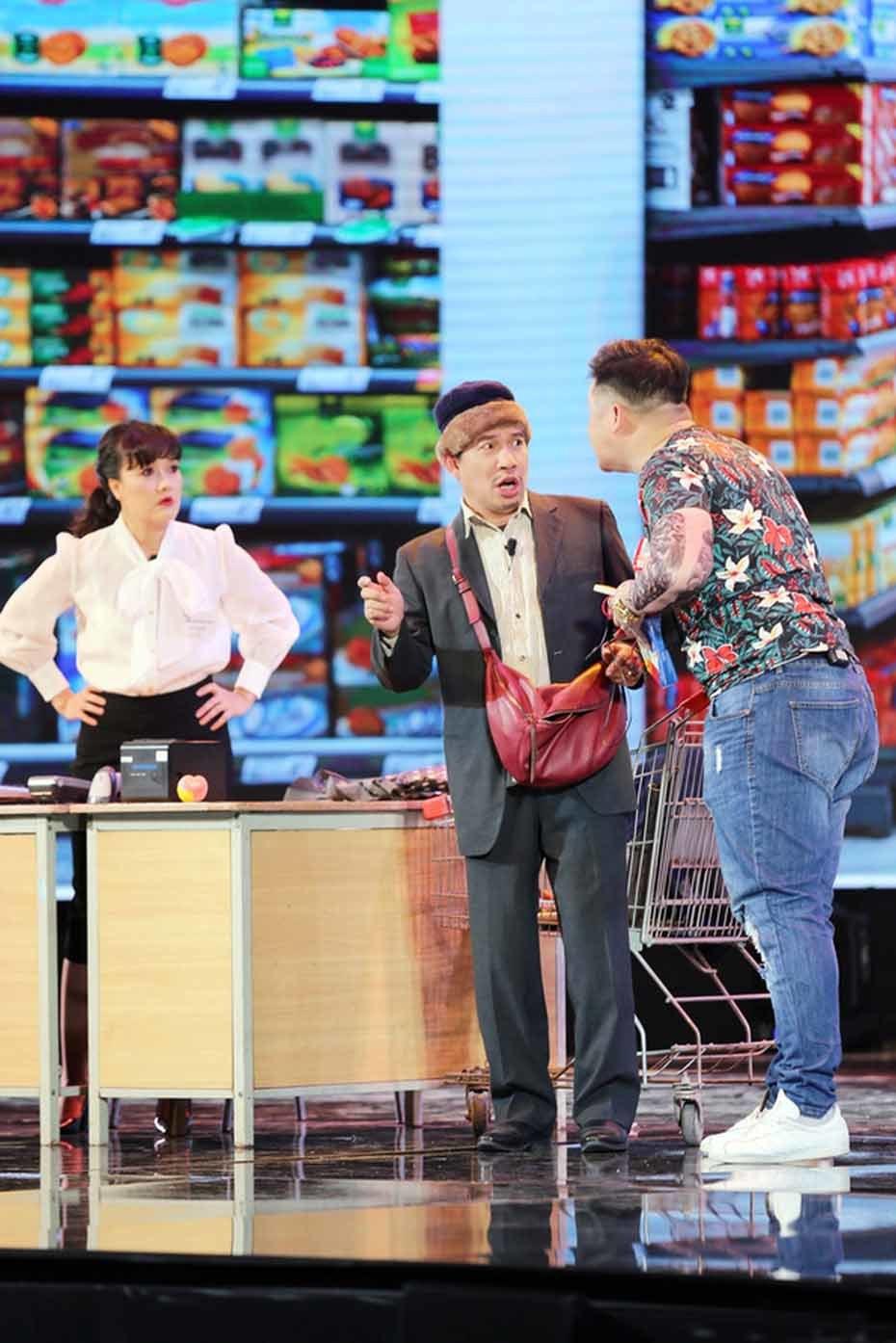Gala cười 2021: Màn tung hứng cực hài của Vân Dung, Quang Thắng