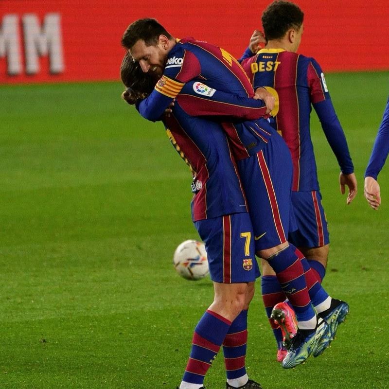 Messi - Griezmann chói sáng, Barca tuyên chiến PSG