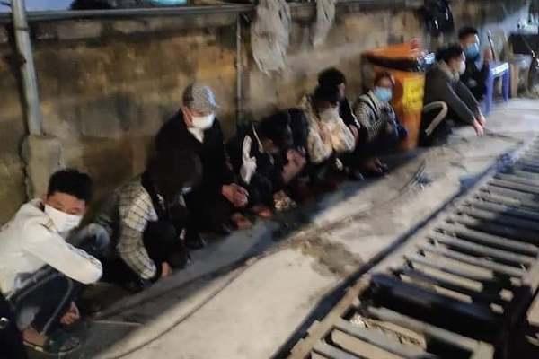 34 thanh niên từ Hải Dương rủ nhau vượt chốt kiểm soát vào Hải Phòng