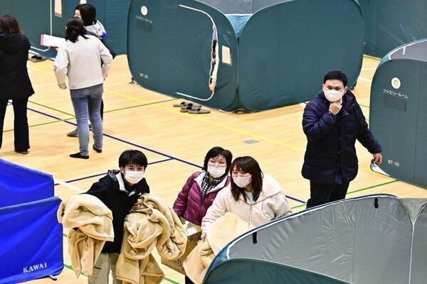 Hình ảnh hậu quả trận động đất ở phía đông Nhật Bản