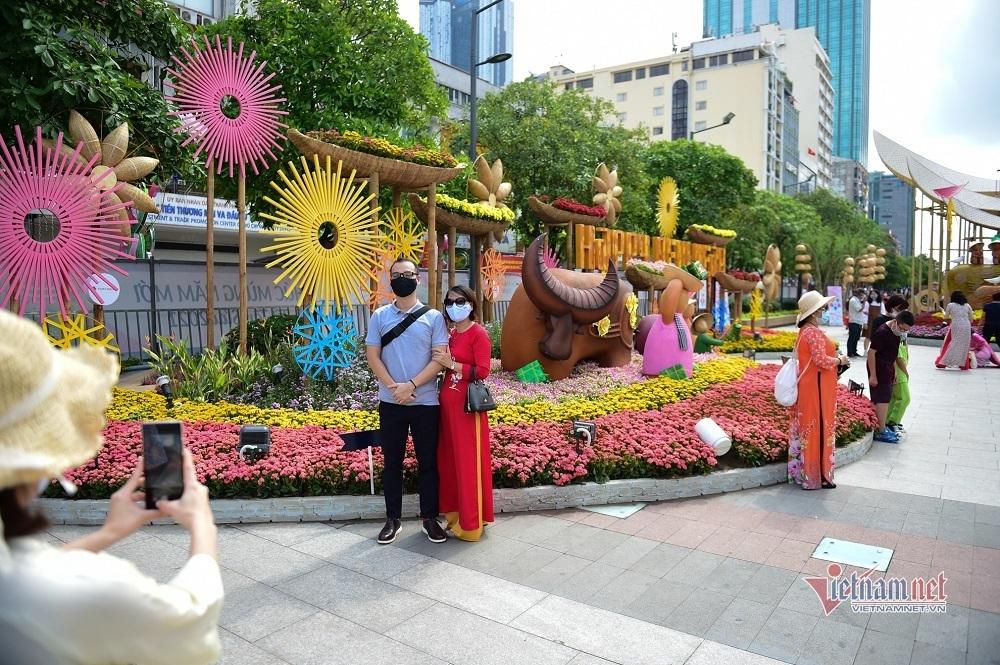 Đường hoa Nguyễn Huệ dừng hoạt động chiều mùng 4 Tết