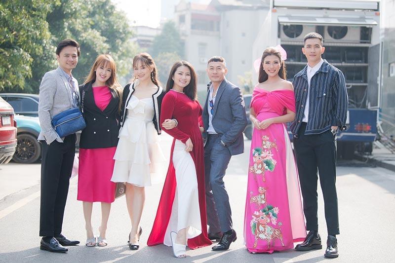 Thúy Diễm hội ngộ dàn diễn viên truyền hình đình đám đầu năm mới