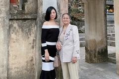 Lệ Quyên bật mí về mẹ 80 tuổi 'hát hay, con gái thua xa'