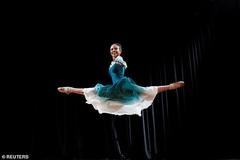 Ngưỡng mộ tài năng và nghị lực của vũ công ba-lê 'không tay'