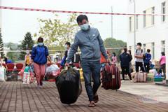 Những công nhân cuối cùng của Công ty Poyun được chuyển khẩn sang vị trí mới