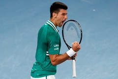 """Djokovic vào bán kết sau hai loạt """"đấu súng"""" nghẹt thở"""