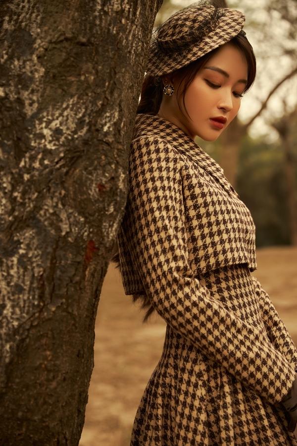 Quán quân Giọng hát hay Hà Nội 2020 khóc trong MV mới