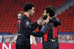 """Song sát"" Salah - Mane giúp Liverpool thổi bay Leipzig"