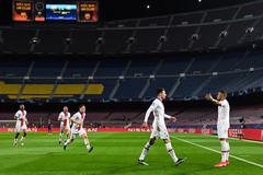 PSG vùi dập Barca: Ngày lịch sử của Mbappe