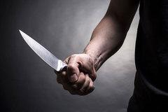 Bị người lạ cầm dao, vung nồi tấn công bất ngờ ở Hà Nội