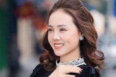 Vợ NSND Công Lý trẻ đẹp ở tuổi 33