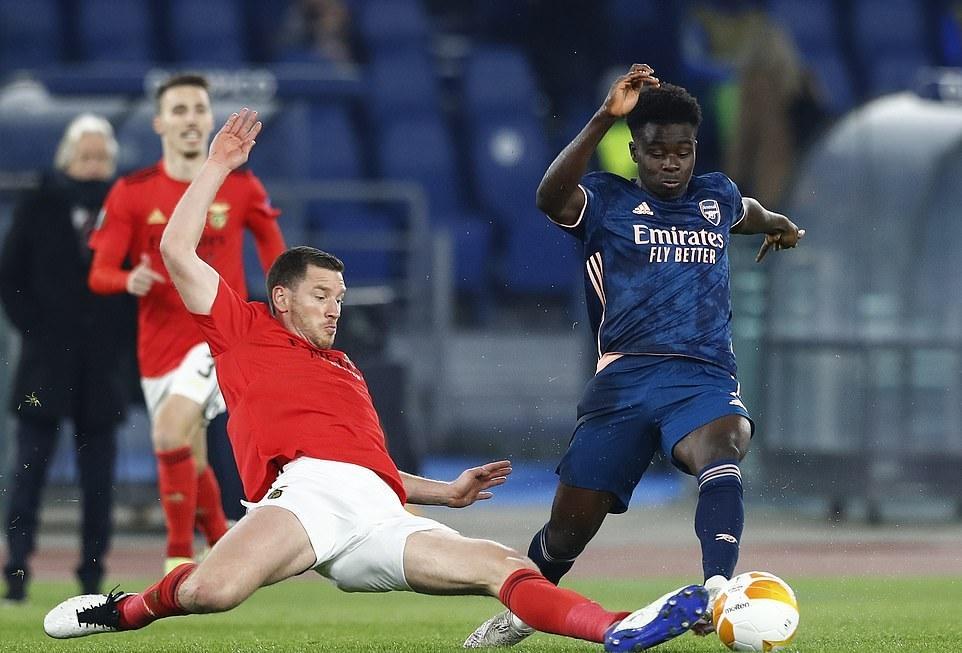 Arsenal giành lợi thế trước Benfica