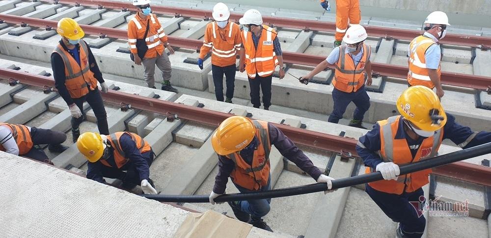 Bắt đầu kéo cáp điện cho tuyến metro số 1 Bến Thành - Suối Tiên
