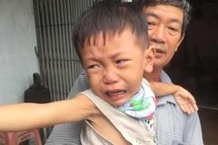 Cha nhọc nhằn phụ hồ níu giữ sự sống cho con trai mắc bệnh tan máu bẩm sinh