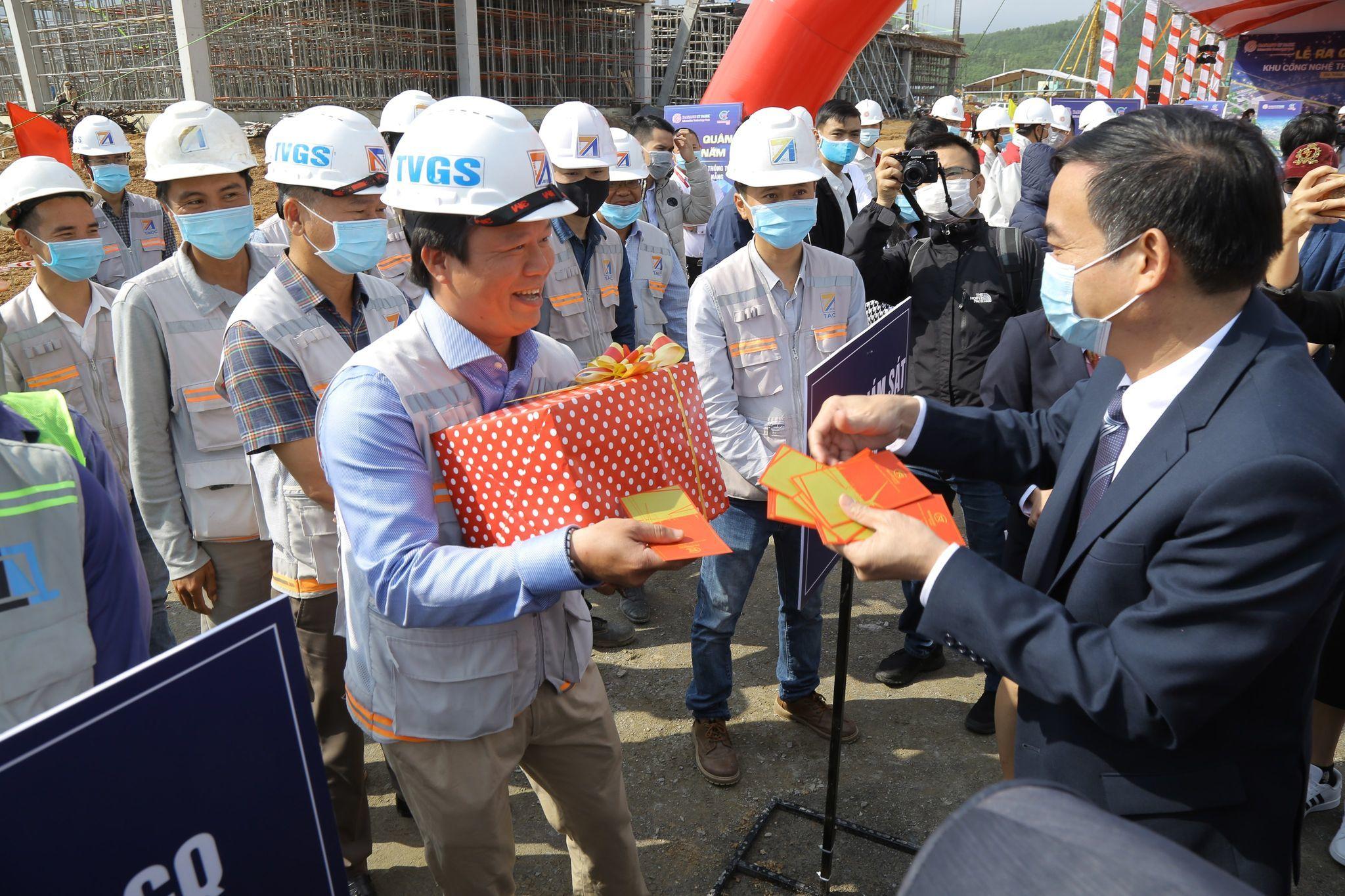 Chủ tịch Đà Nẵng cam kết cùng doanh nghiệp vượt khó