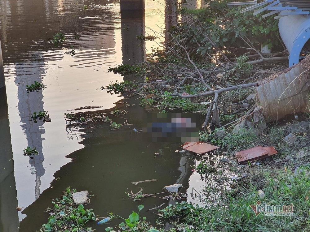 Thi thể người phụ nữ nổi dưới chân cầu Sài Gòn
