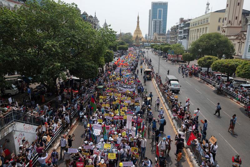 Giá nhiên liệu ở Myanmar tăng vọt vì biểu tình