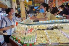Thị trường vàng Thần tài: Mua nhiều sẽ lỗ nặng