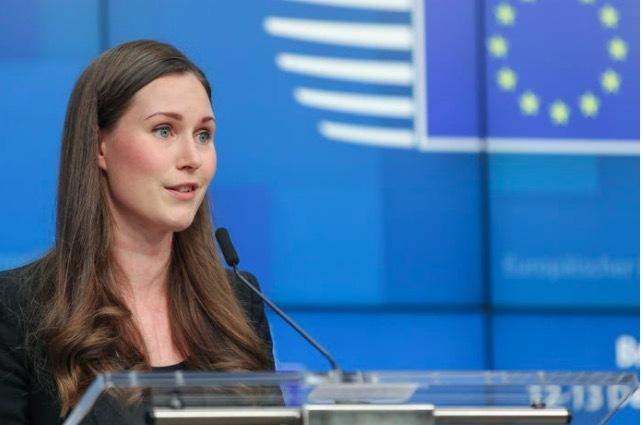 Nữ Thủ tướng trẻ nhất thế giới từng đi phát báo kiếm sống
