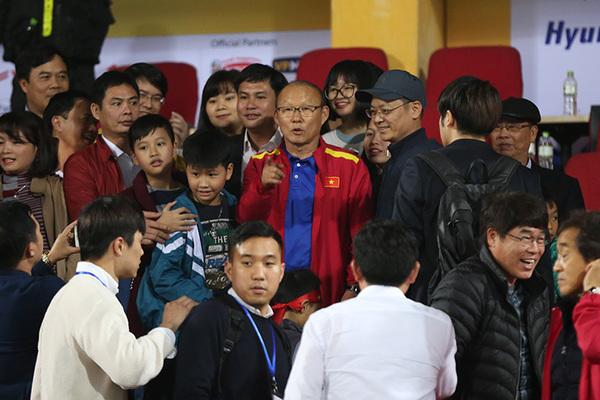 """Thầy Park trở lại tuyển Việt Nam: Chiêu hiền đánh """"quả lớn"""""""