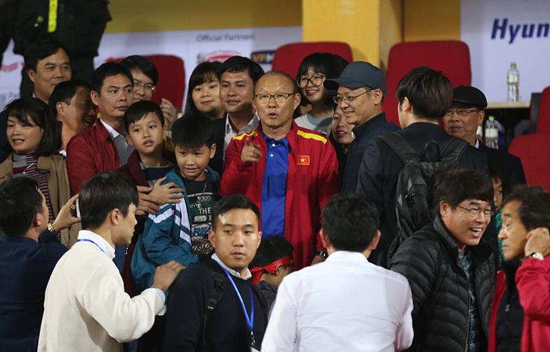 Thầy Park trở lại tuyển Việt Nam: Chiêu hiền đánh